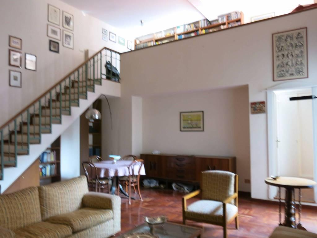 Appartamento in ottime condizioni arredato in affitto Rif. 9306628