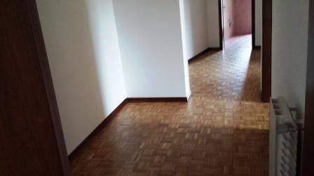 Appartamento in buone condizioni in affitto Rif. 9303030