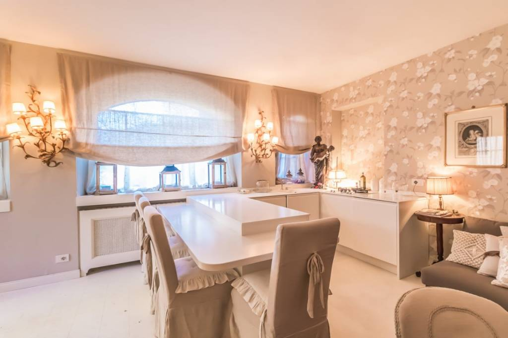 Villa in vendita a Menaggio, 5 locali, prezzo € 690.000 | PortaleAgenzieImmobiliari.it