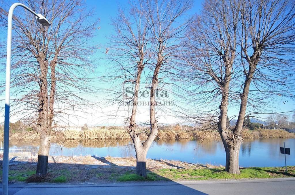 Appartamento in buone condizioni in vendita Rif. 9308147