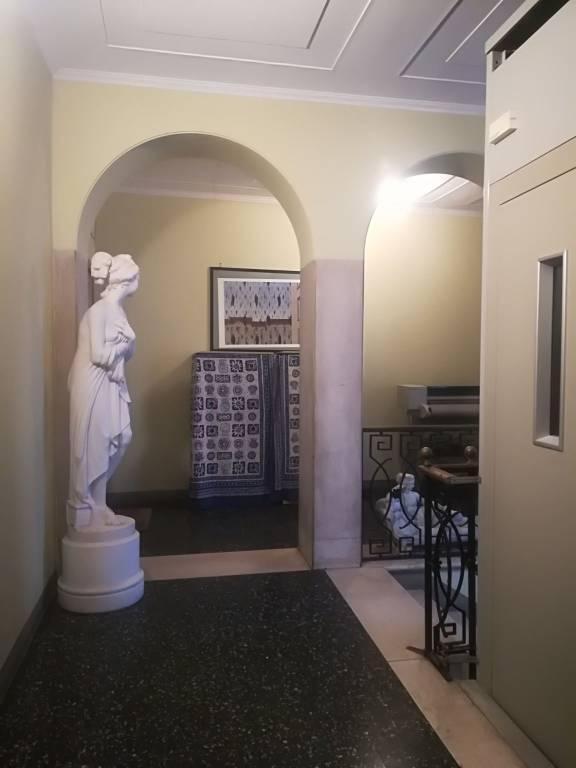 Appartamento in buone condizioni in affitto Rif. 9305538