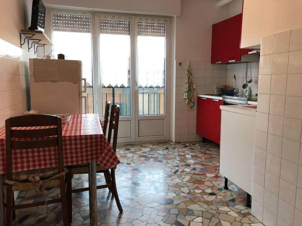 Appartamento in ottime condizioni arredato in affitto Rif. 9304708