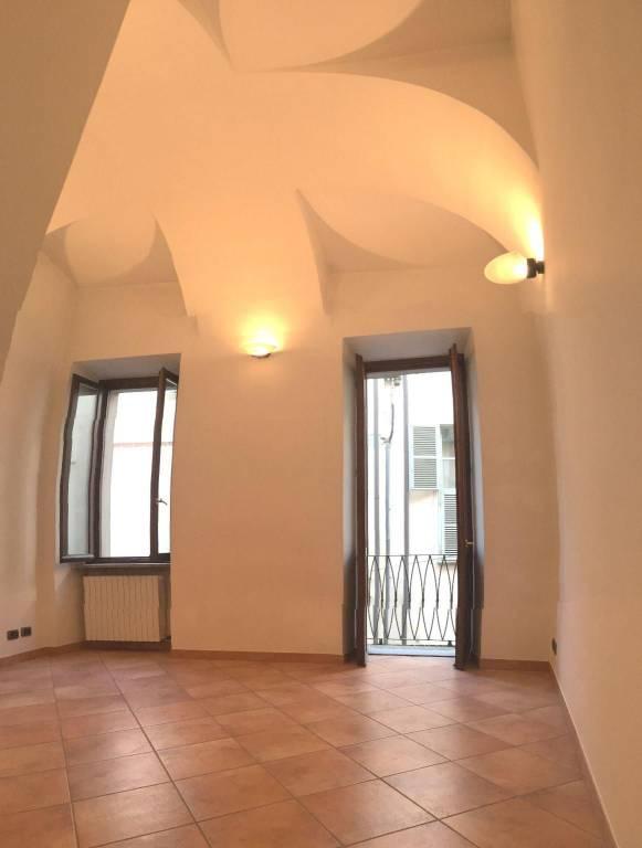 Appartamento in ottime condizioni in vendita Rif. 9304182