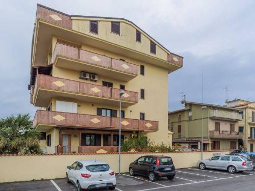 Appartamento in ottime condizioni in vendita Rif. 9305583