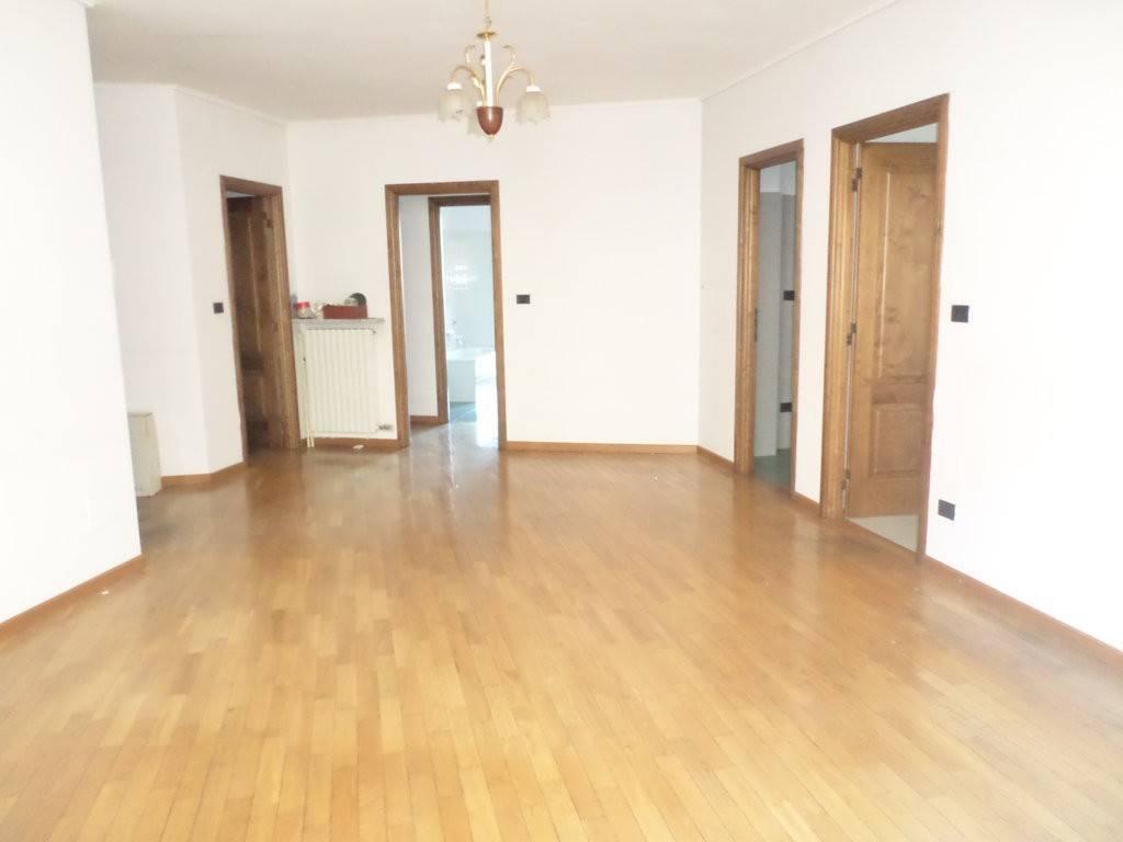 Appartamento in ottime condizioni in vendita Rif. 8520238
