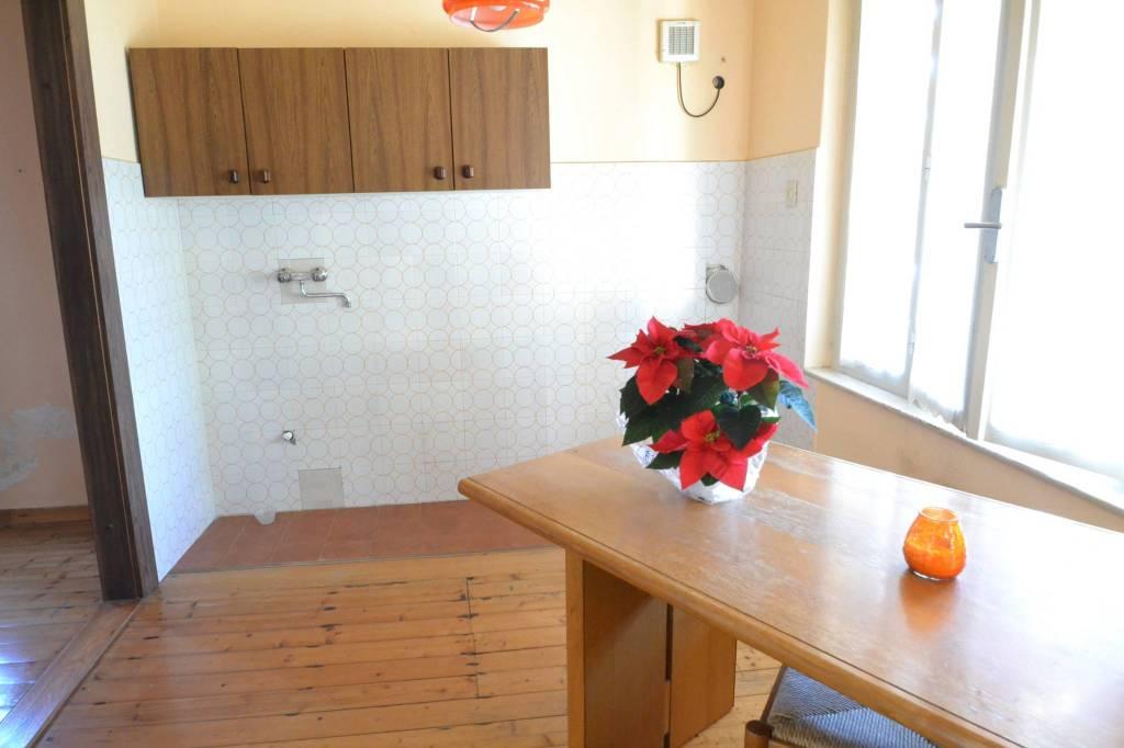 Villa da ristrutturare in vendita Rif. 9304047