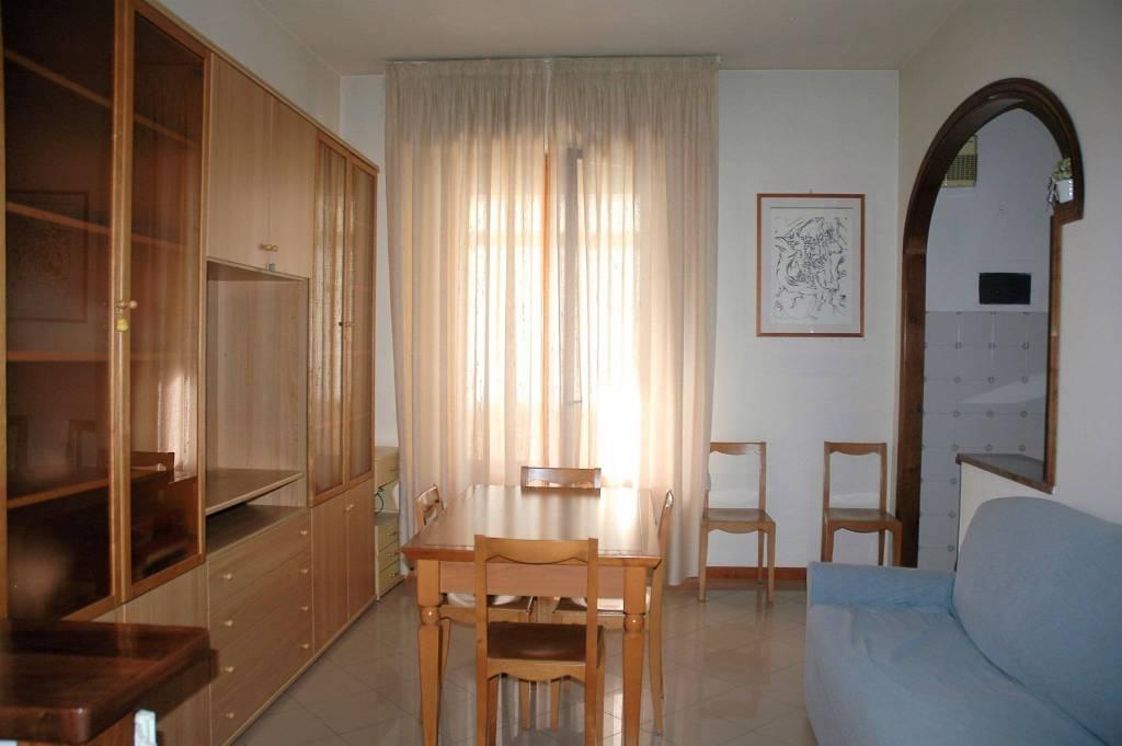 Appartamento in ottime condizioni parzialmente arredato in vendita Rif. 9305435