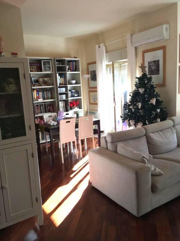 Appartamento in buone condizioni in vendita Rif. 9272550