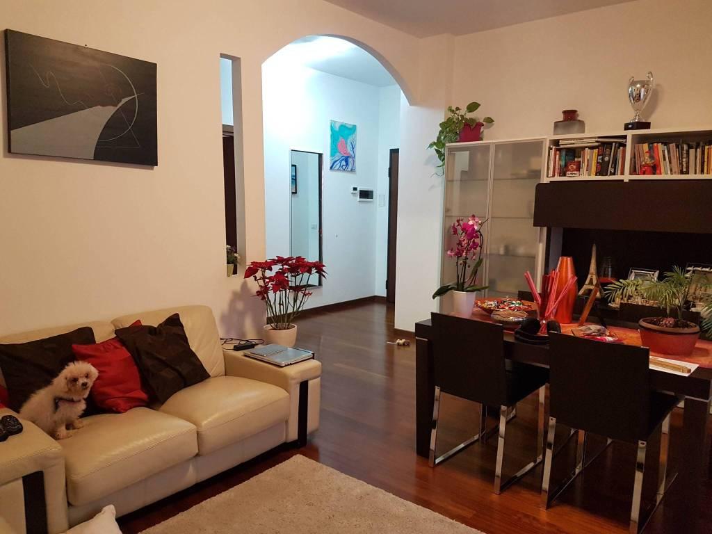 Appartamento in ottime condizioni parzialmente arredato in vendita Rif. 9302957