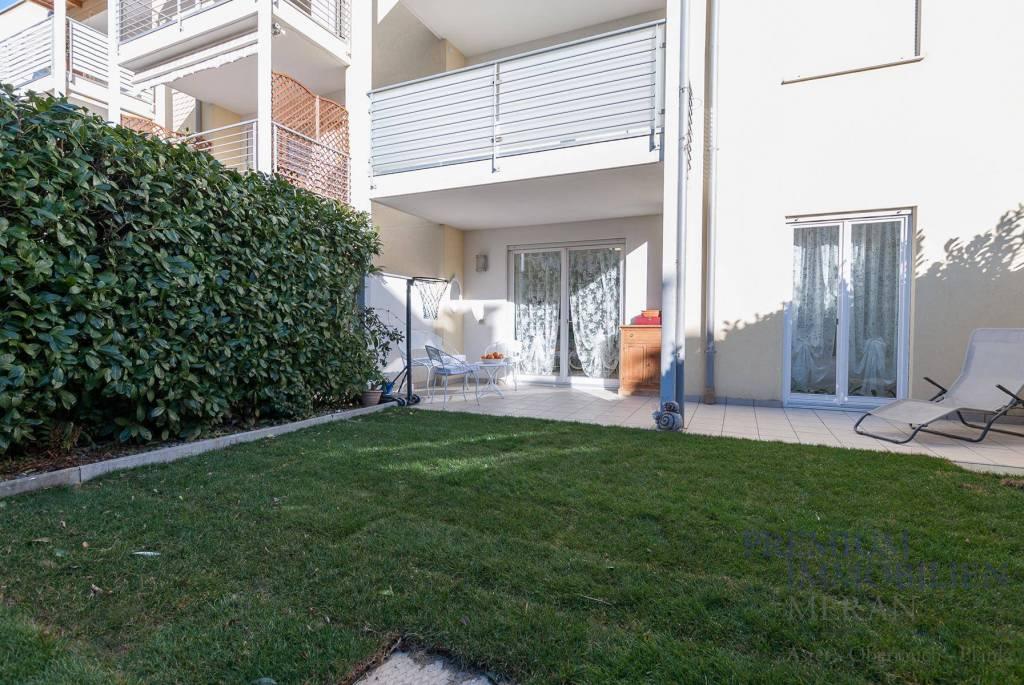 Appartamento in ottime condizioni parzialmente arredato in vendita Rif. 9309120