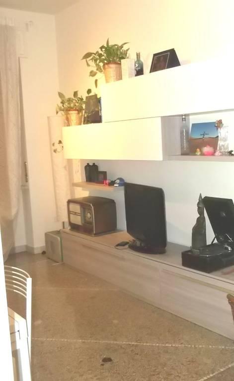 Appartamento in ottime condizioni arredato in affitto Rif. 9304080