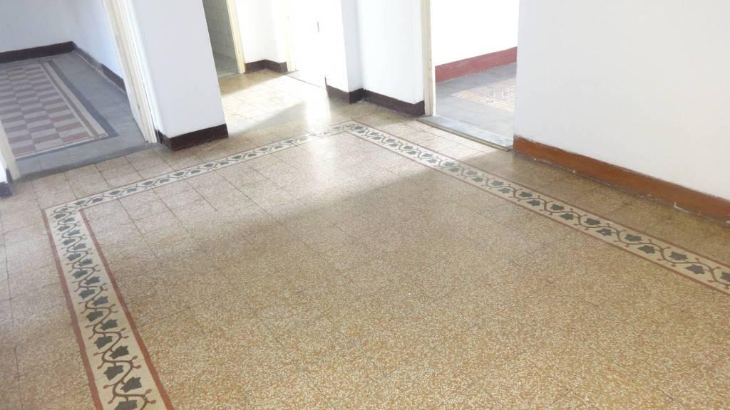 Appartamento da ristrutturare in vendita Rif. 9303933