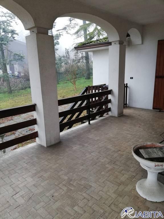 Villa in Vendita a Gazzola: 5 locali, 436 mq