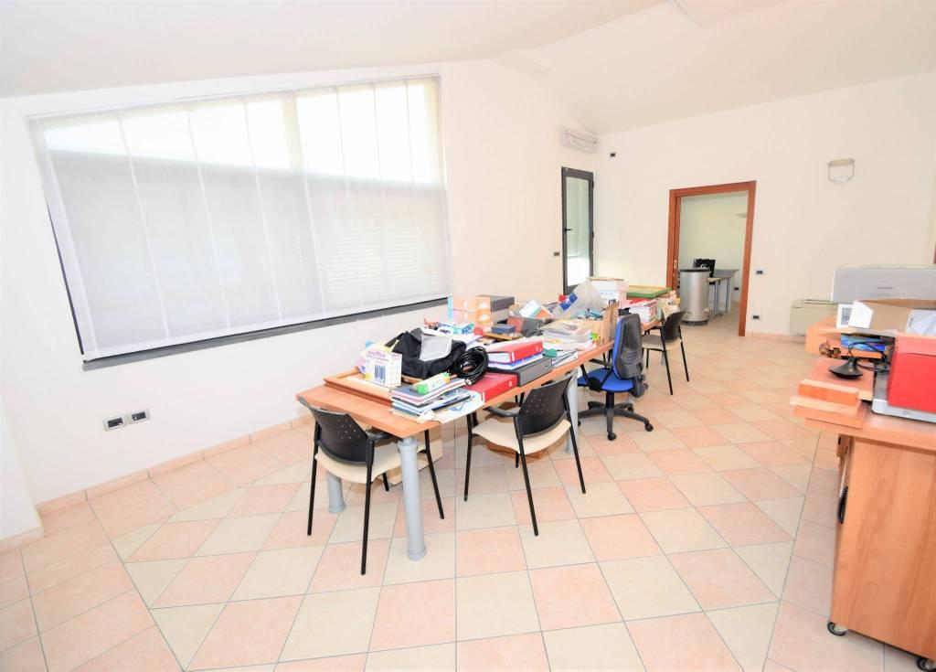Appartamento in buone condizioni in vendita Rif. 9309090