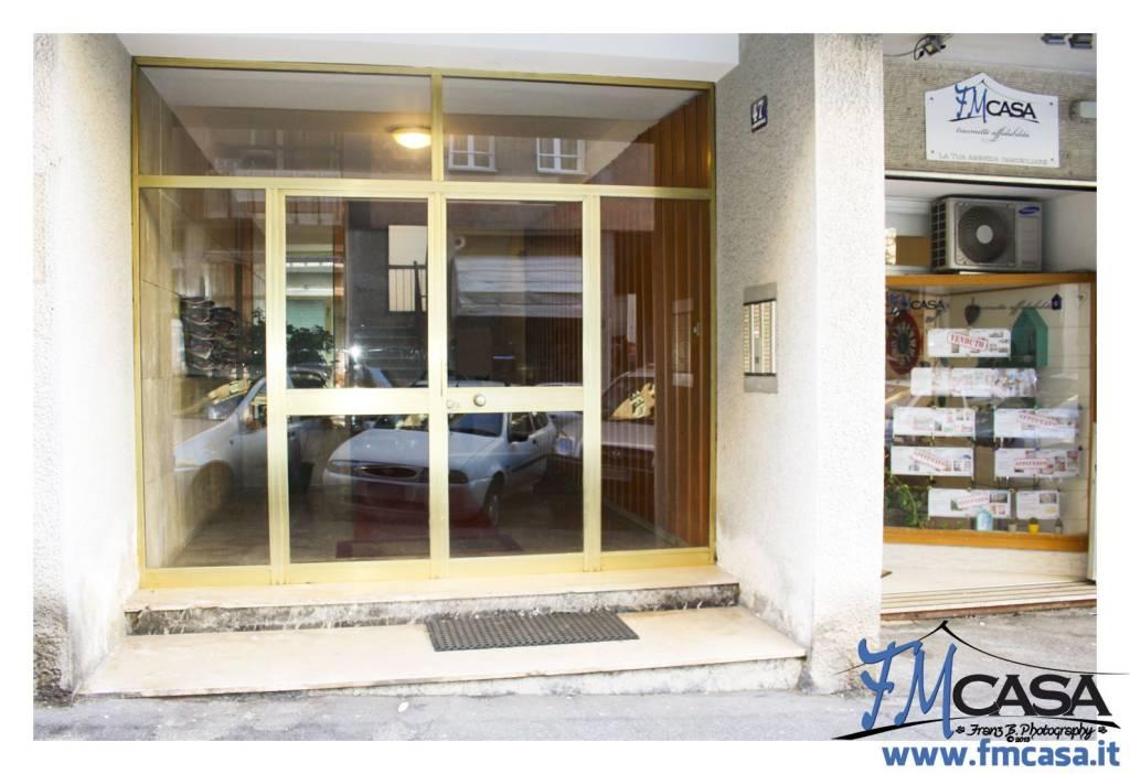 Appartamento in buone condizioni in vendita Rif. 9306637