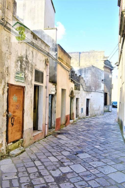 Appartamento in buone condizioni in vendita Rif. 9303464