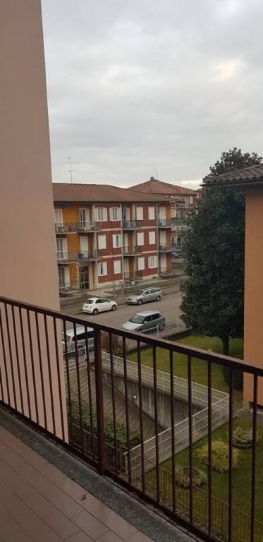 Appartamento in buone condizioni arredato in vendita Rif. 9305239