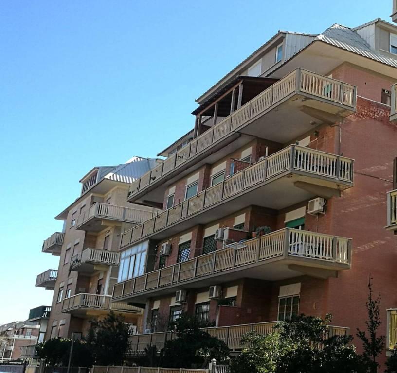 Appartamento in vendita a Roma, 3 locali, zona Zona: 39 . Lido di Ostia, Ostia, Castel Fusano, Torre Paterno, prezzo € 169.000 | CambioCasa.it