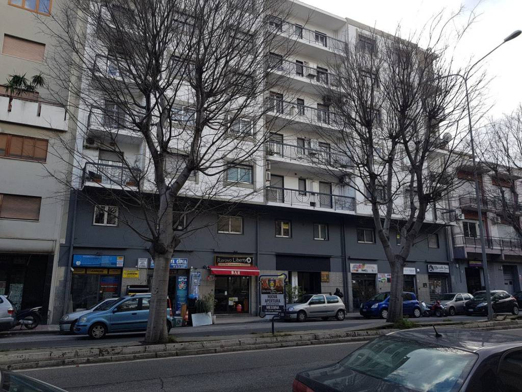 Appartamento in ottime condizioni arredato in affitto Rif. 9307859