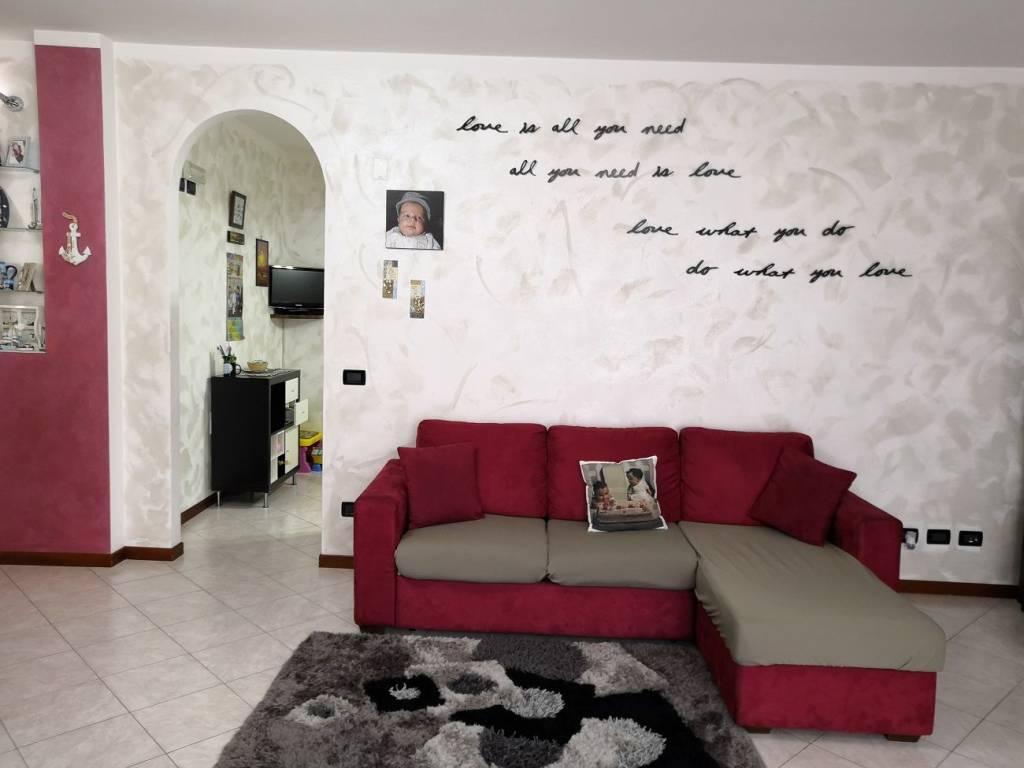 Appartamento in vendita a Caino, 3 locali, prezzo € 170.000 | CambioCasa.it