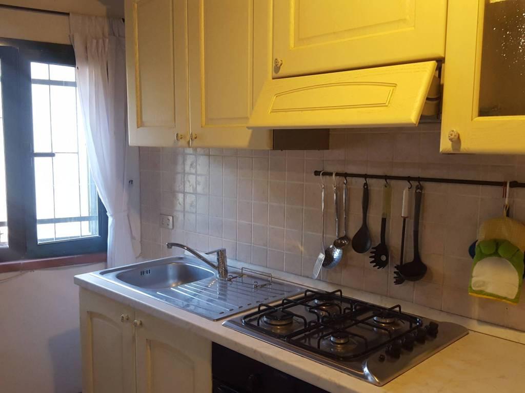 Appartamento in ottime condizioni arredato in affitto Rif. 9305856