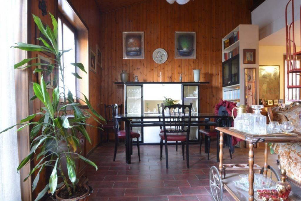 Villa in ottime condizioni parzialmente arredato in vendita