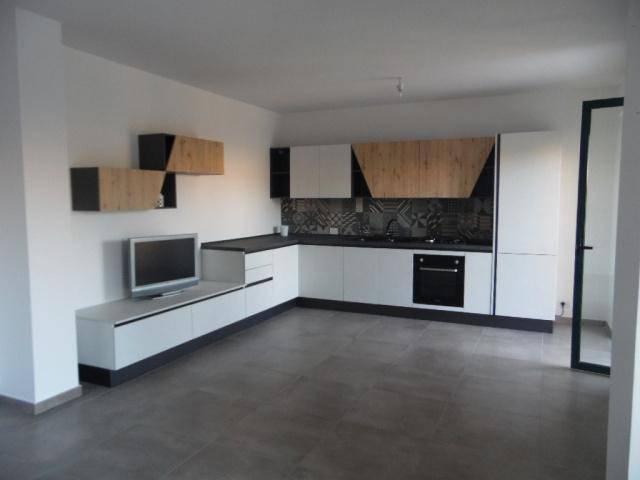 Appartamento in ottime condizioni in vendita Rif. 9318929