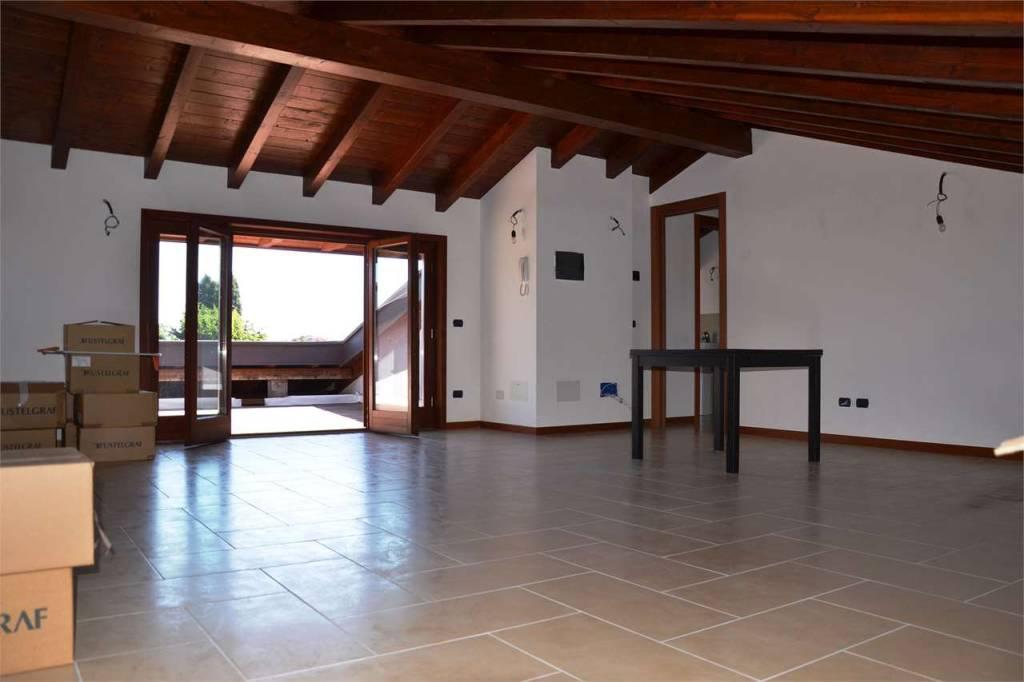 Appartamento in vendita Rif. 9317228