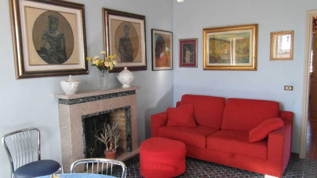 Appartamento in buone condizioni parzialmente arredato in affitto Rif. 9316188