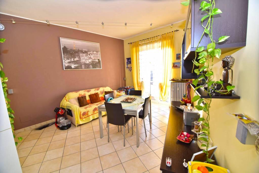 Appartamento in ottime condizioni in vendita Rif. 9317602