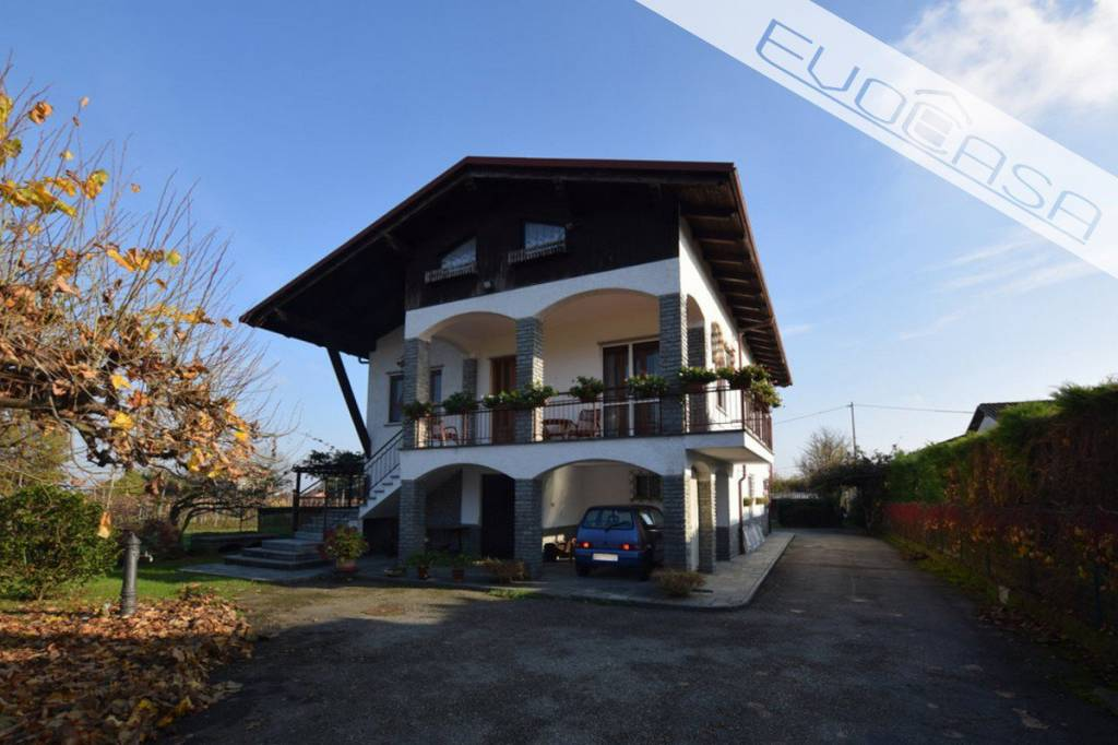 Villa in buone condizioni in vendita Rif. 8831082
