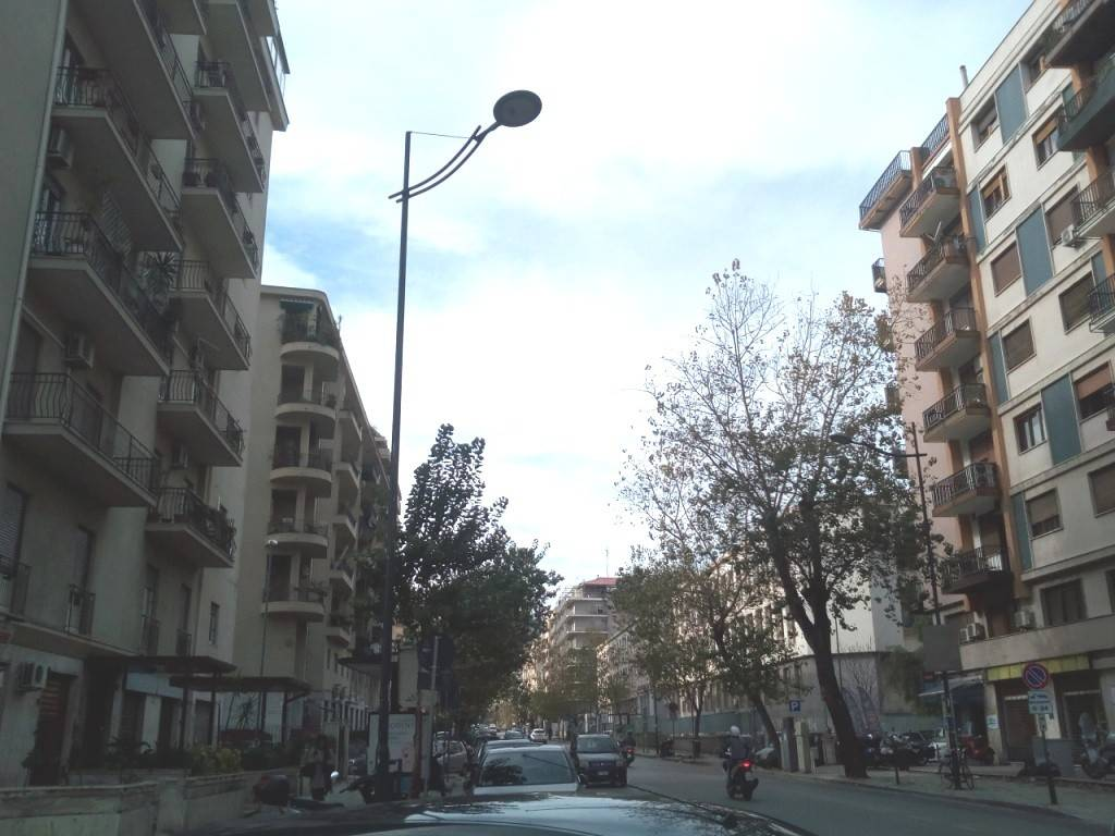 Negozio-locale in Vendita a Palermo Centro: 1 locali, 90 mq