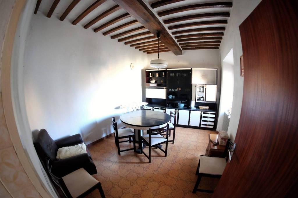 Appartamento da ristrutturare in vendita Rif. 9315891