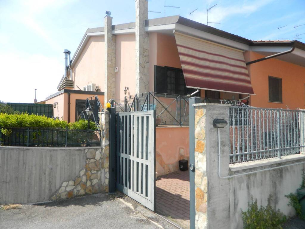 Villa in vendita a Roma, 5 locali, zona Zona: 40 . Piana del Sole, Casal Lumbroso, Malagrotta, Ponte Galeria, prezzo € 255.000 | CambioCasa.it