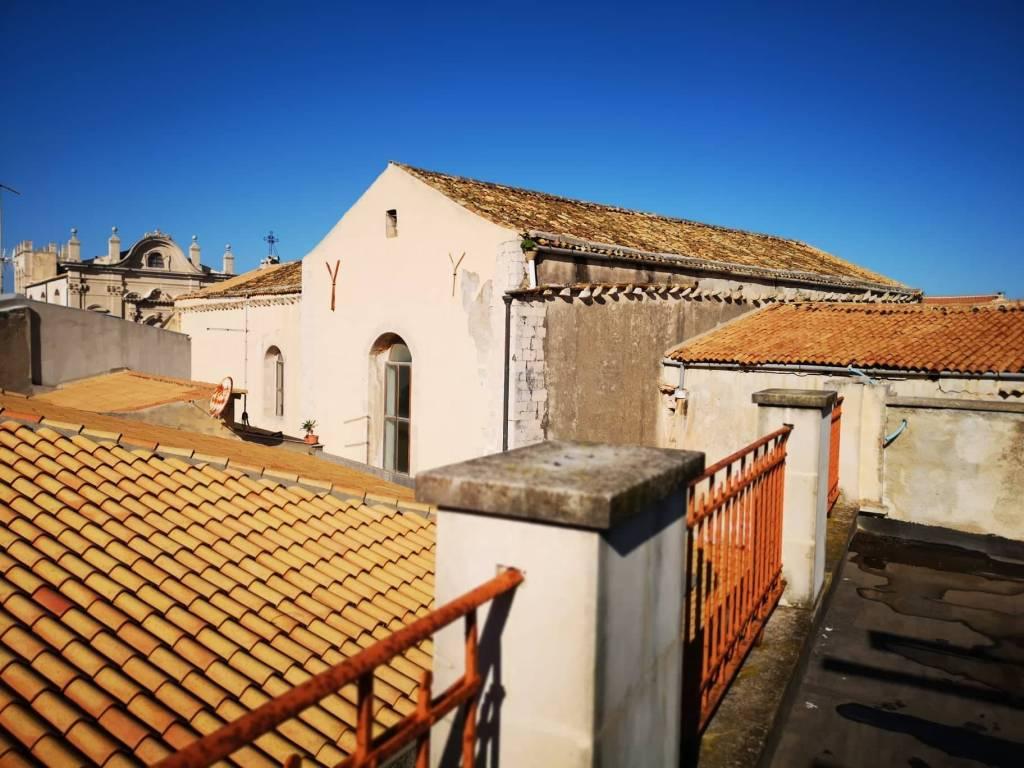 Stabile / Palazzo in vendita Rif. 8720285