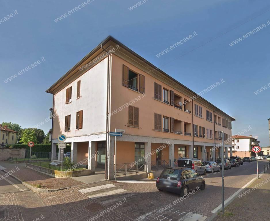 Appartamento in ottime condizioni in vendita Rif. 9318045