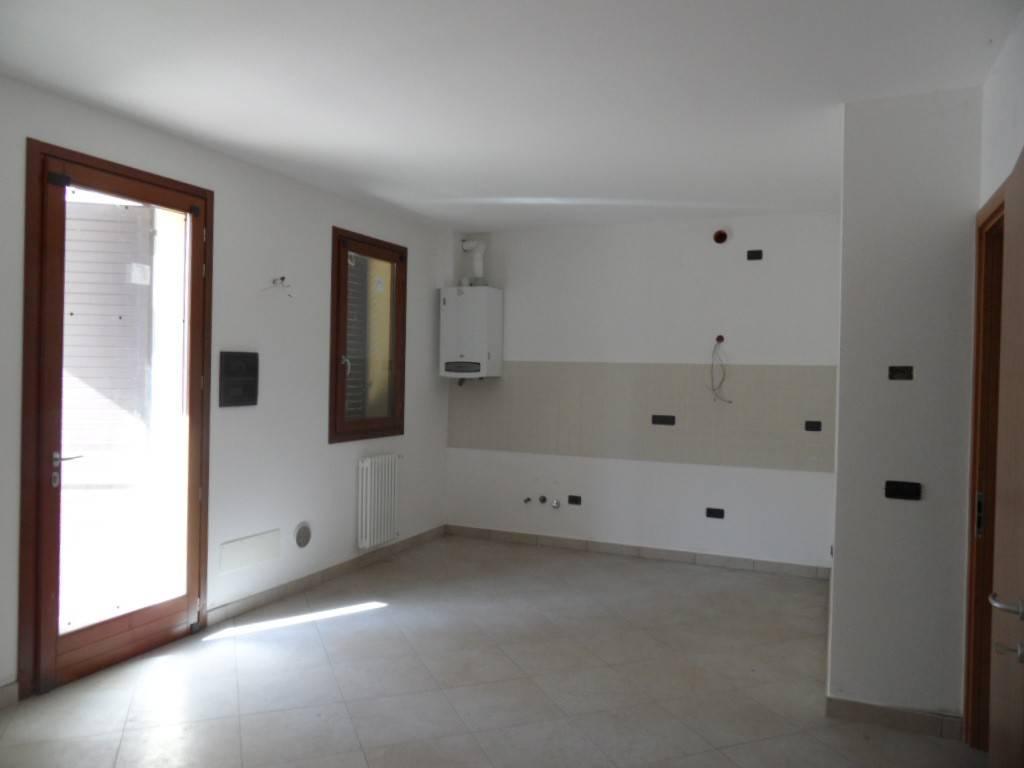 ALFONSINE - ad.ze centro - Alloggio con giardino e p. auto