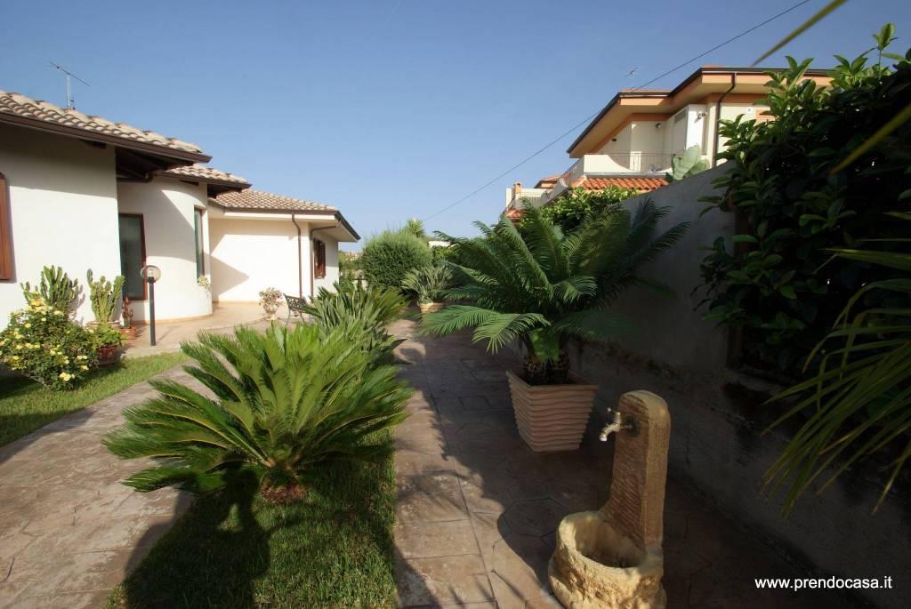 Villa in ottime condizioni in vendita Rif. 9315949