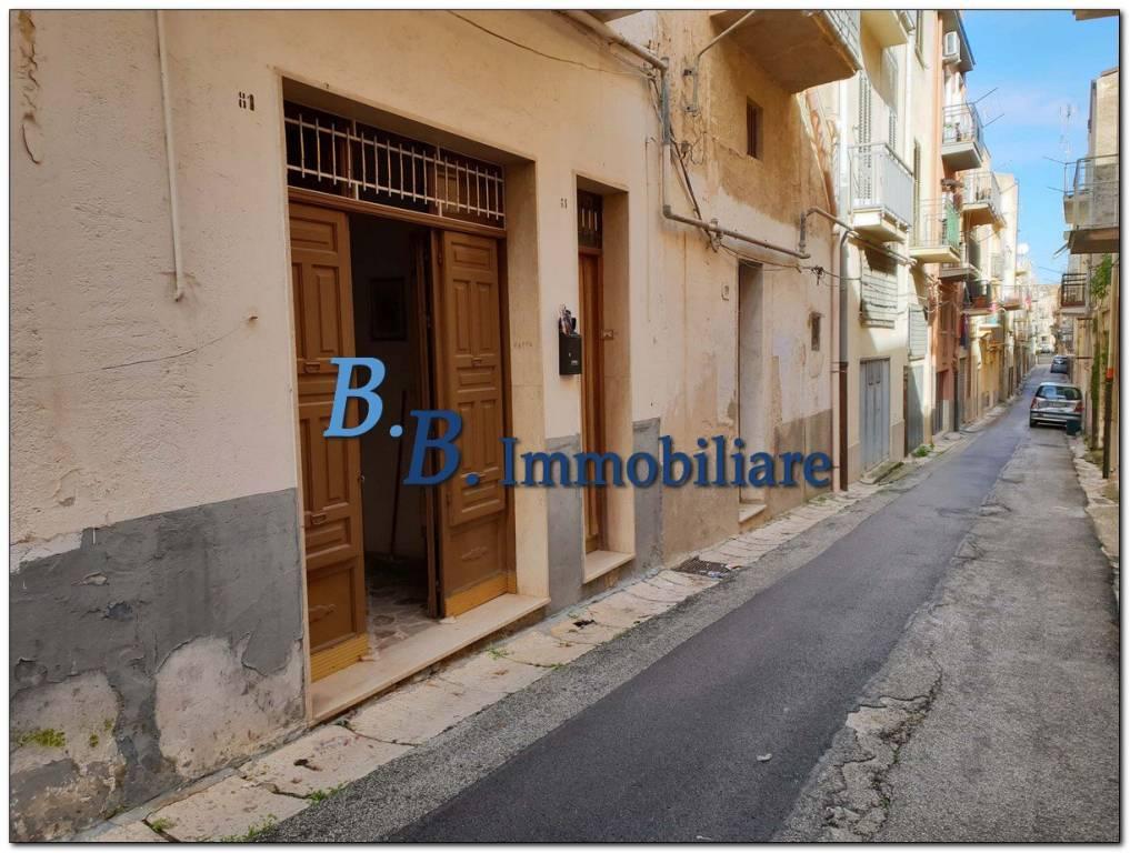 Appartamento da ristrutturare in vendita Rif. 9319052