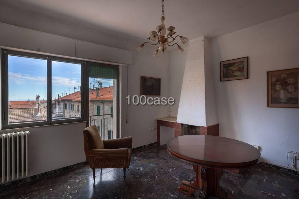 Appartamento da ristrutturare in vendita Rif. 9317660