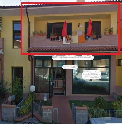 Appartamento in buone condizioni in vendita Rif. 9325339