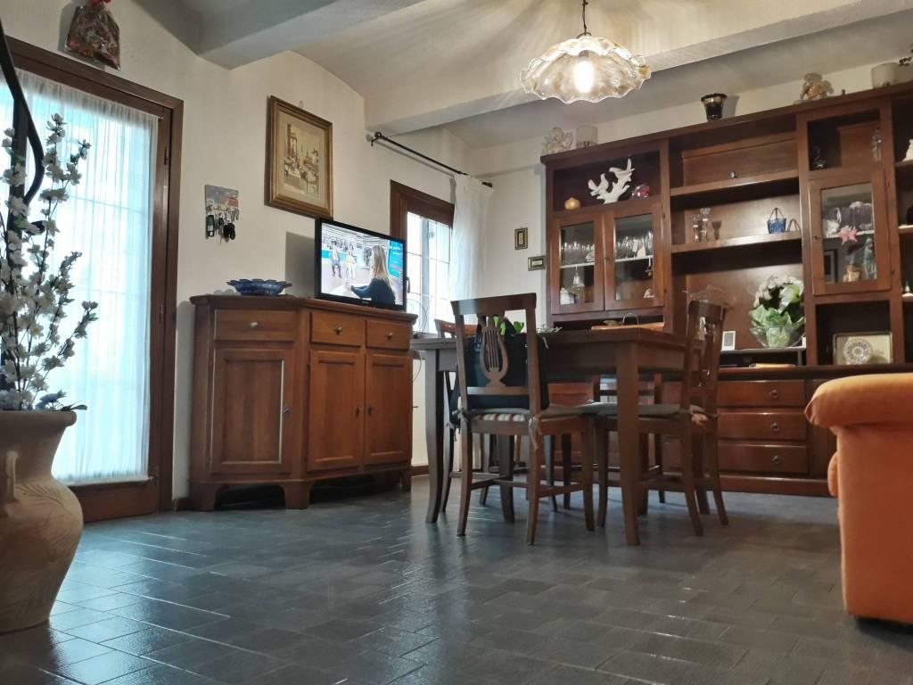 Casa Indipendente in buone condizioni in vendita Rif. 9334587