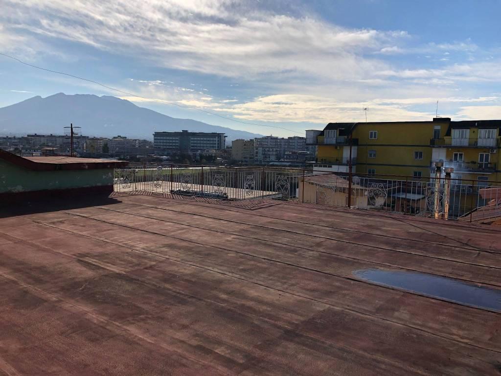 Via Rione torre ampio 3 vani 2 wc di 90 mq + terrazzo 100mq