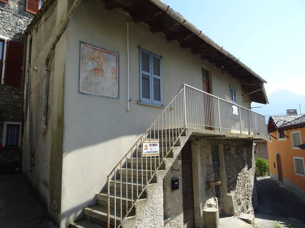 Rustico / Casale da ristrutturare in vendita Rif. 9332572