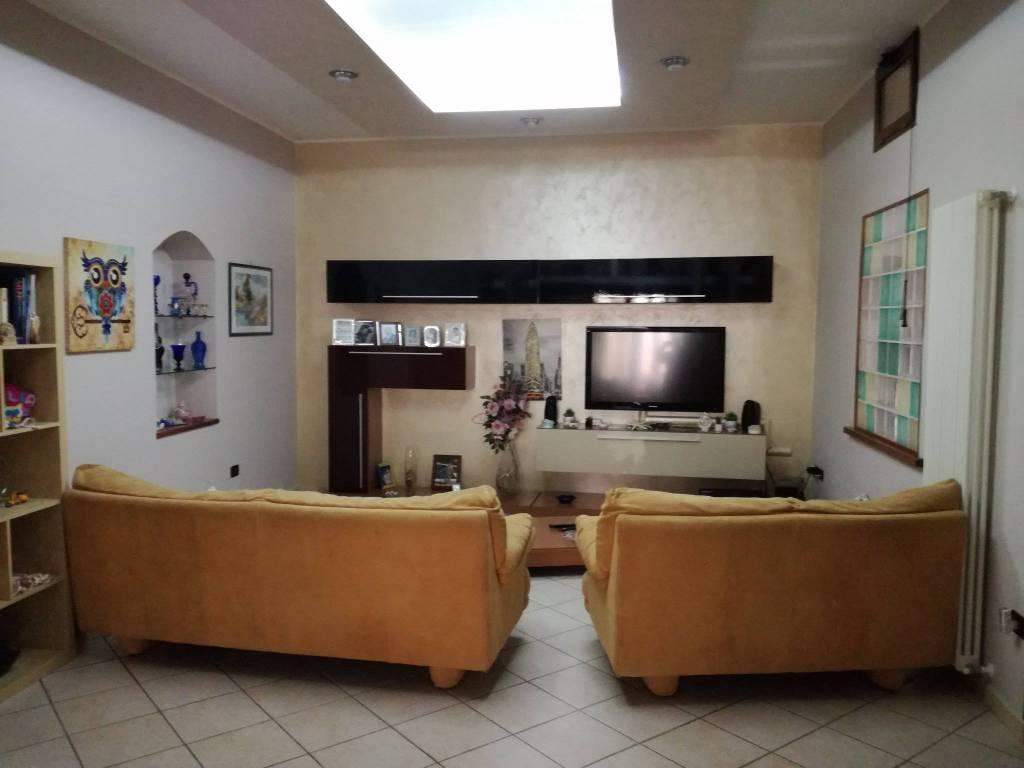Appartamento in ottime condizioni in vendita Rif. 9334993