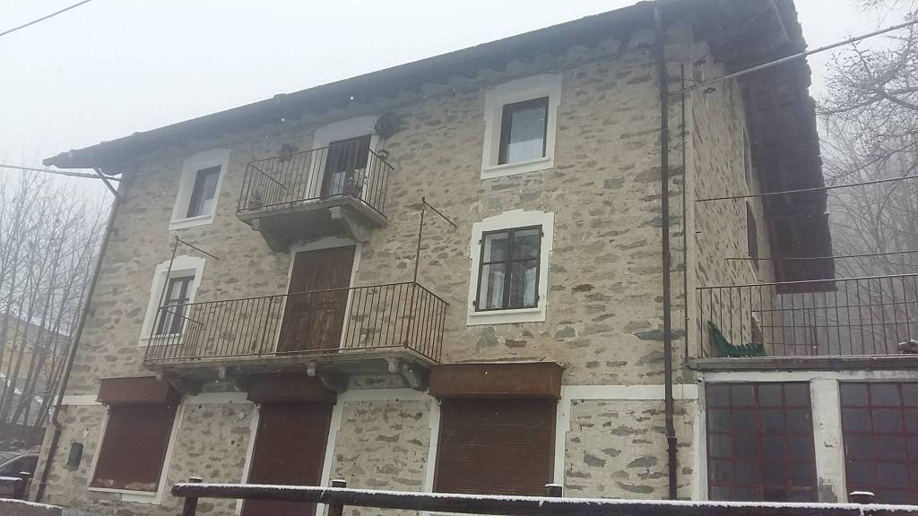 Appartamento in ottime condizioni arredato in vendita Rif. 9332048