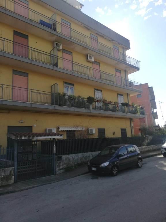 Appartamento da ristrutturare in vendita Rif. 9334169