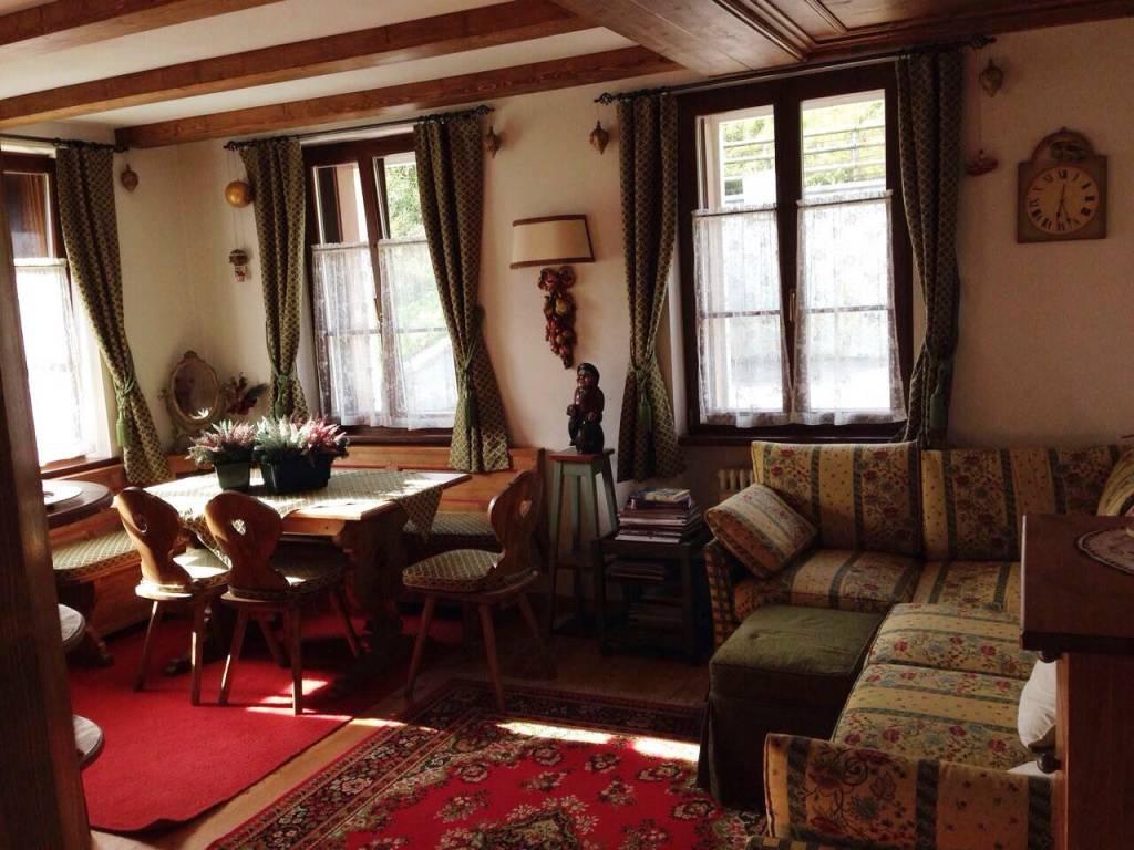 Appartamento in ottime condizioni arredato in vendita Rif. 9336206