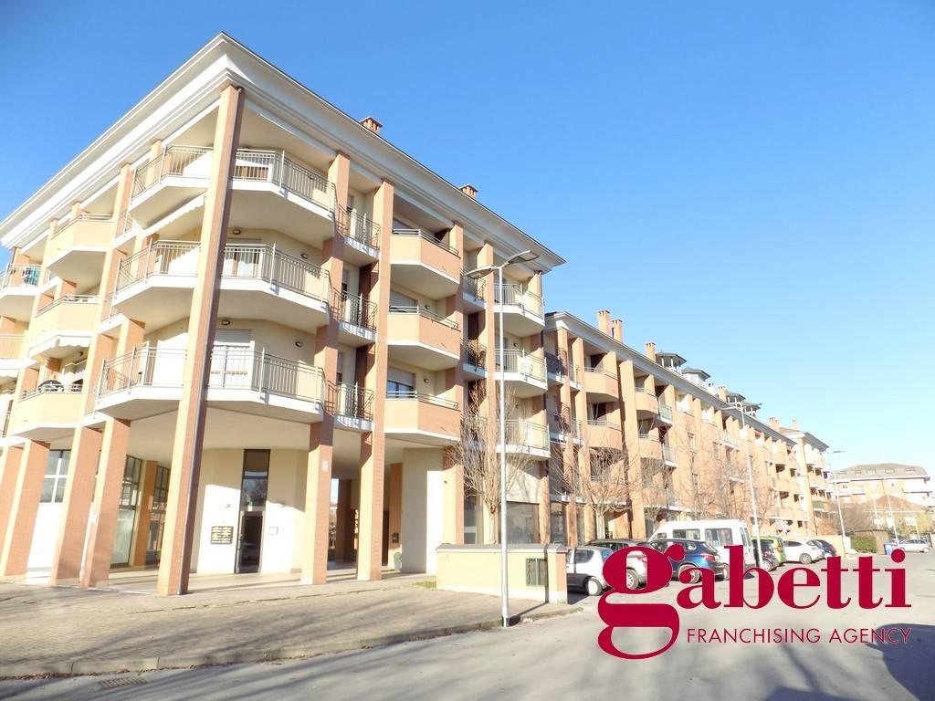 Appartamento in ottime condizioni arredato in affitto Rif. 9333673