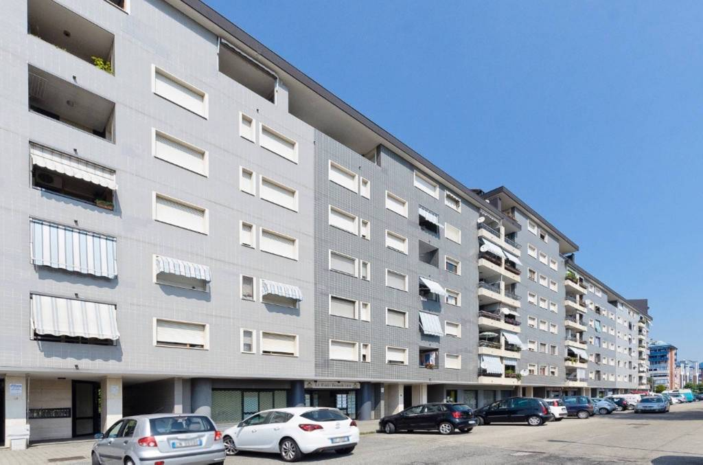 Appartamento in ottime condizioni parzialmente arredato in vendita Rif. 9307924